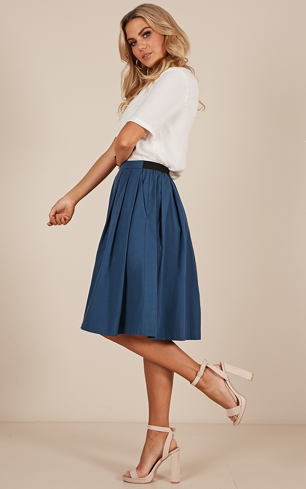 /s/q/square_up_midi_skirt_in_tealro.jpg