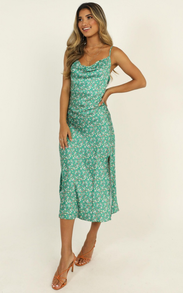 /s/t/straight_lines_dress_in_green_floral2.jpg