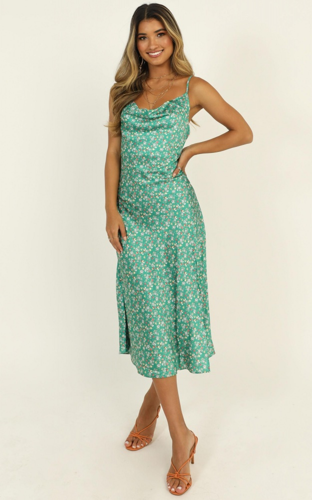 /s/t/straight_lines_dress_in_green_floral3.jpg