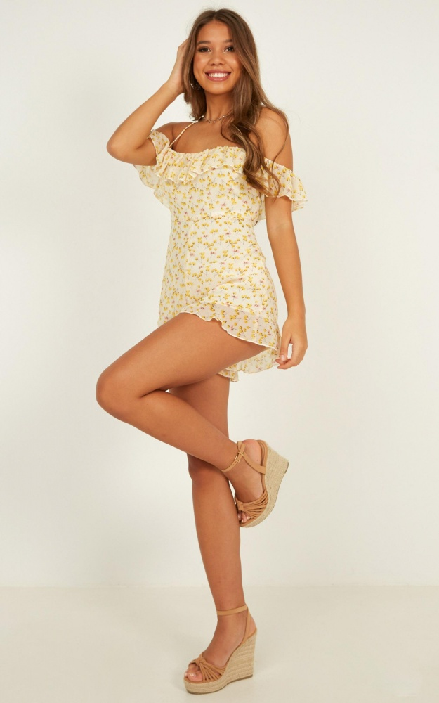 /s/w/swept_away_by_you_playsuit_in_yellow_floral_4_.jpg