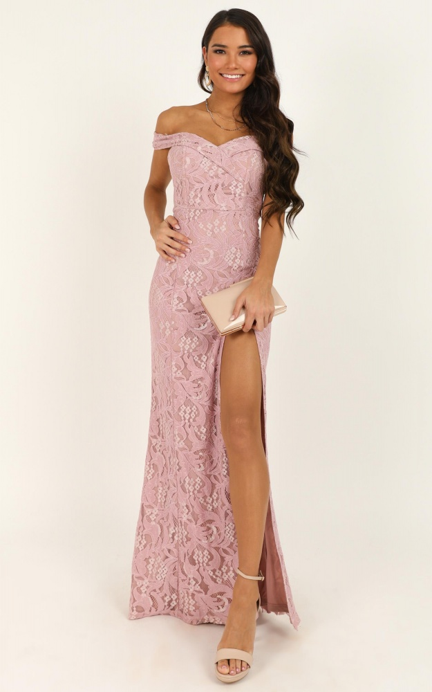 /t/e/tell_it_to_the_world_dress_in_blush_lace_tn.jpg