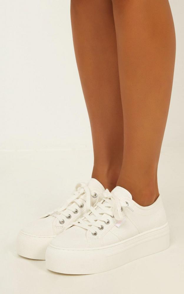 /t/n/tn_lipstik_-_rayden_sneaker_in_white_canvas.jpg