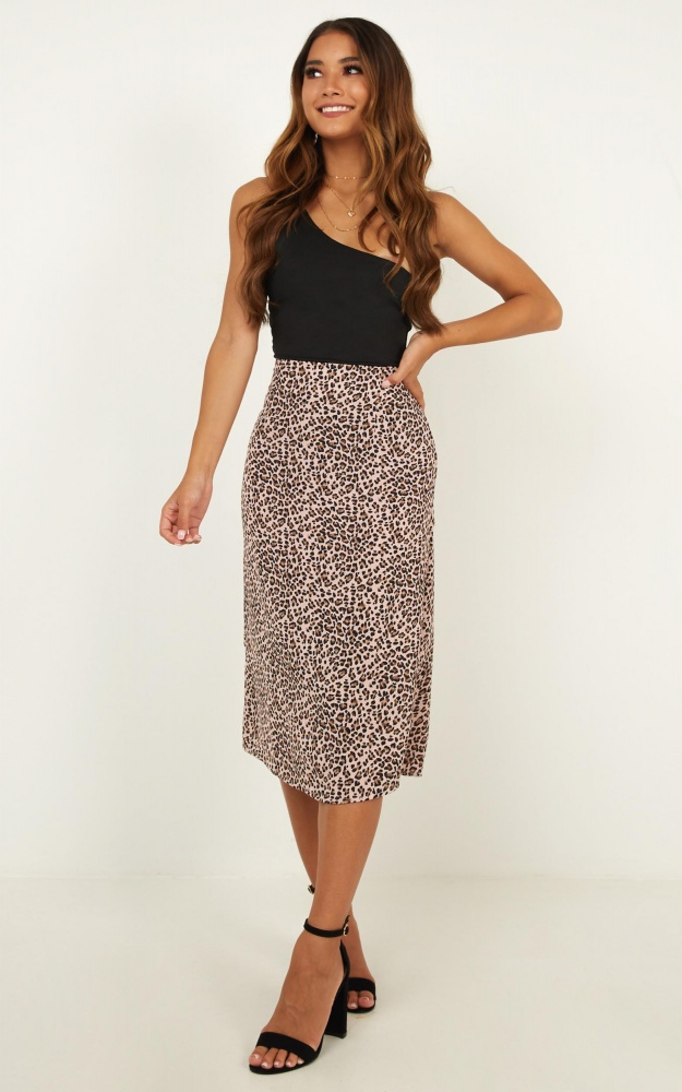/t/n/tn_true_reality_skirt_in_pink_leopard_print.jpg