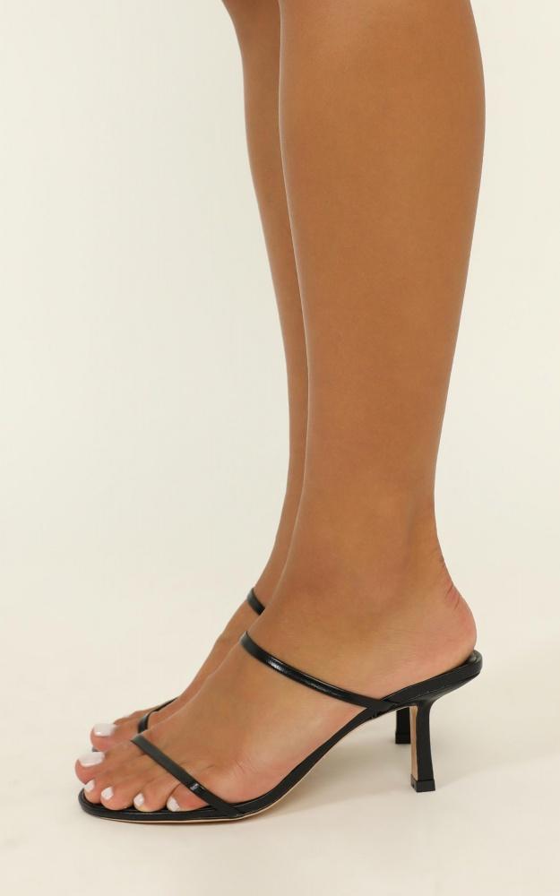 /t/o/tony_bianco_-_camille_heels_in_black_kid_3_.jpg